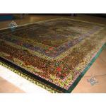 قالیچه دستباف تمام ابریشم قم تولیدی حاجی رحیمی هشتاد رج استاد باف