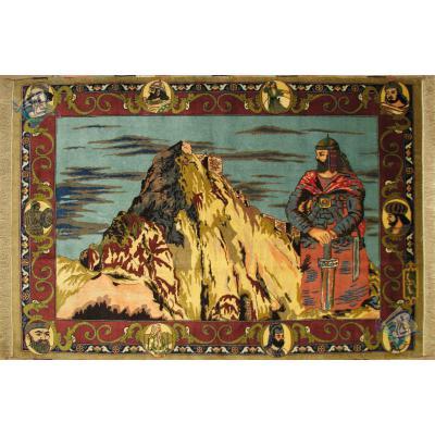 قالیچه منطقه قره داغ  قدیمی با طرح بی نظیر قلعه بابک خرم دین