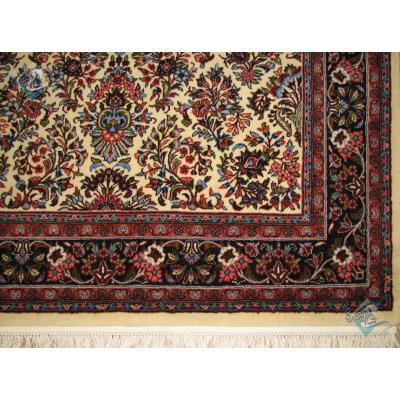 قالیچه دستباف ساروق اراک نقشه دسته گلی آمریکایی
