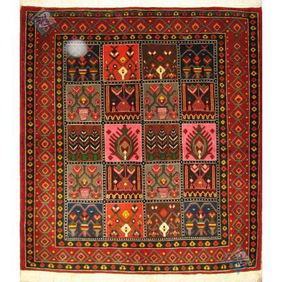 قالیچه دستباف تقریبا مربع بختیاری خشتی رنگ گیاهی