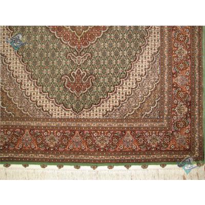 قالیچه دستباف طرح جدید ماهی نه متن گل ابریشم رنگ خاص