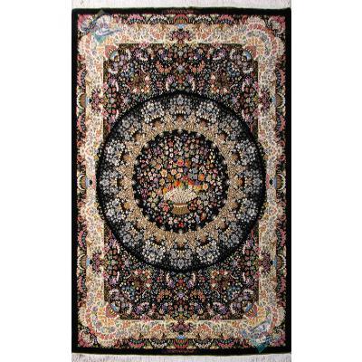 قالیچه دستباف تمام ابریشم قم طرح ترنجی سبد گل صادق زاده هشتاد رج اعلا باف