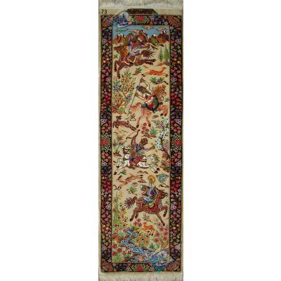 تابلویی فرش دستباف تمام ابریشم قم  شکارگاه ستونی هشتاد رج بدون قاب