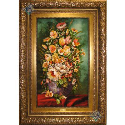 تابلو فرش دستباف تبریز طرح گلدان گل روی میز چله و گل ابریشم برجسته باف